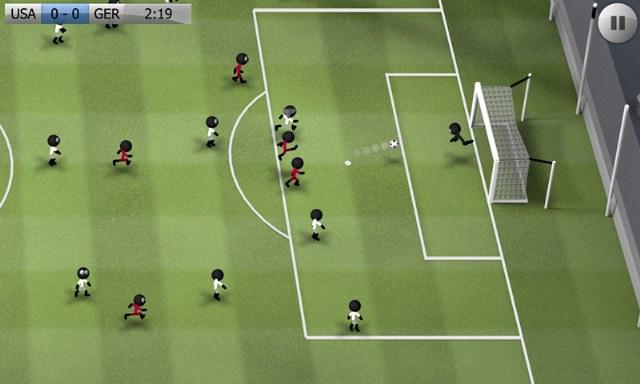 stcikman-soccer-cop-adam-futbolu-1_640x384