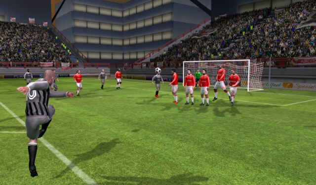 fifa-pes-oyunu-mobil-indir-dream-league-soccer-2