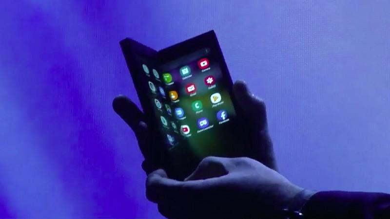 katlanabilir-ekran-samsung-fold-2